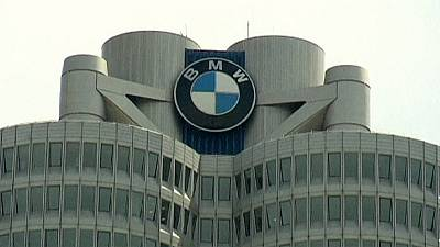 BMW pushes for record sales, expects significant rise in pretax profit