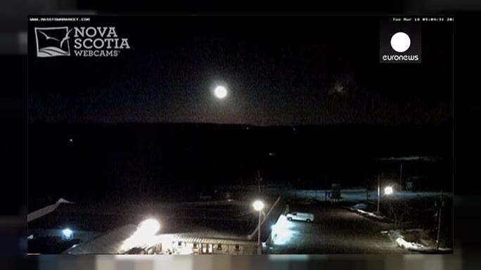 Watch: Cameras catch 'fireball' meteorite over Canada