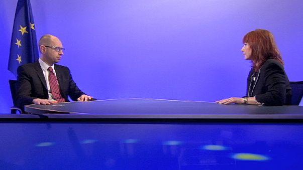 UE-Ucraina, Yatseniuk a euronews: la rapina russa è un problema per la sicurezza mondiale