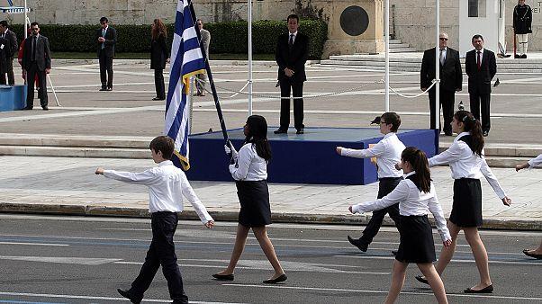 Ελλάδα: Υπό δρακόντεια μέτρα ασφαλείας η μαθητική παρέλαση για την 25η Μαρτίου