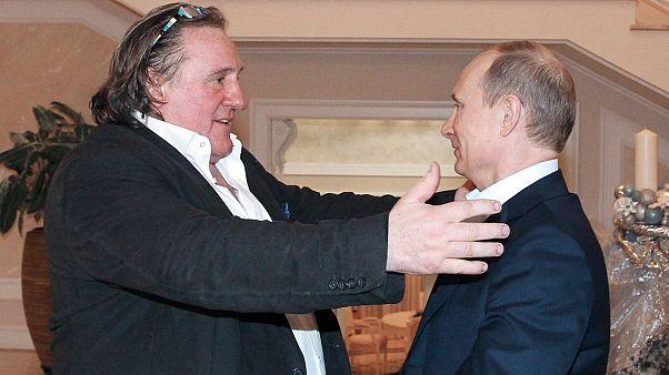 """""""Fier d'être Russe,"""" Gérard Depardieu vend désormais des montres suisses"""