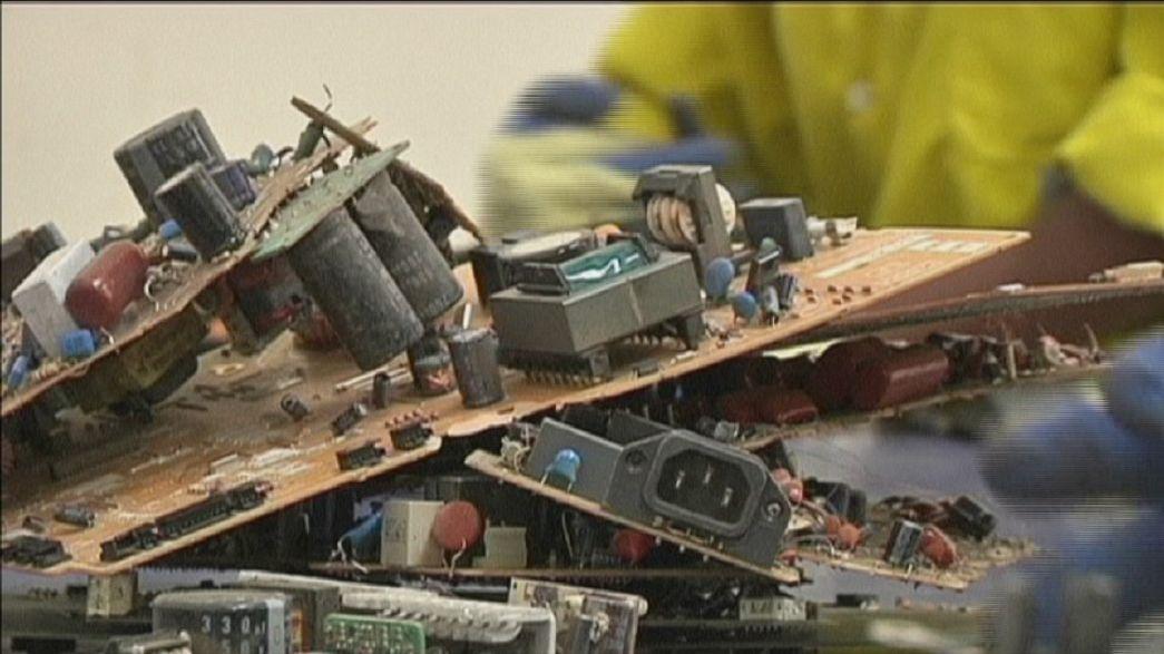 بازیافت ضایعات الکترونیک در زاغه بزرگ کنیا