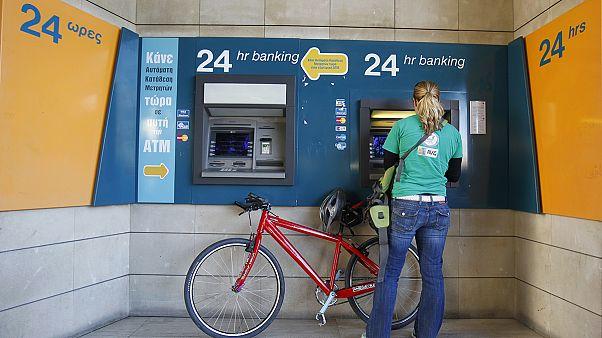 Κύπρος: Τέλος στους περιορισμούς για αναλήψεις μετρητών