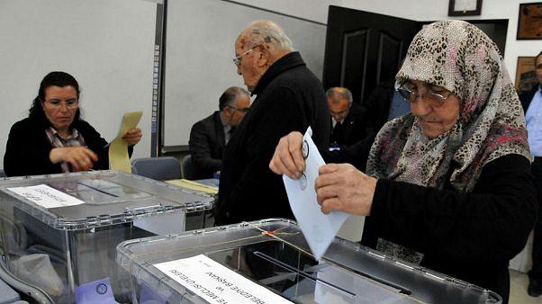 Oy verme işlemi bitti sandıklar açılıyor