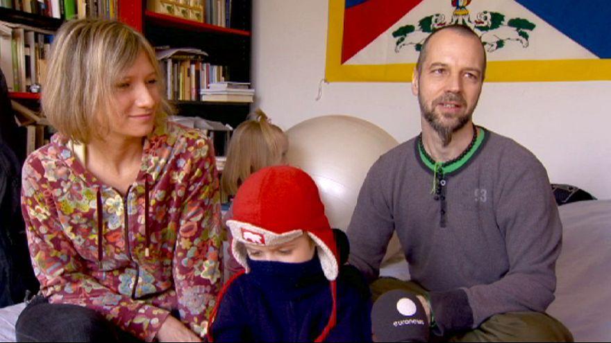 Húngaros vão às urnas, deitando contas à vida