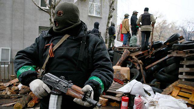 Ukraine : les pro-russes tiennent bon et contrôlent des aéroports
