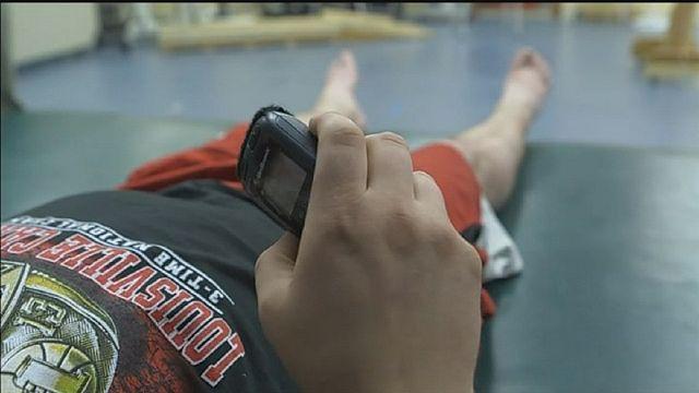 تقنية التحفيز الكهربائي: آمال بشفاء المصابين بالشلل السفلي