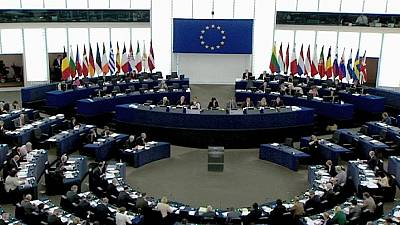 MEPs back law aimed at reducing risk of failing banks to taxpayer
