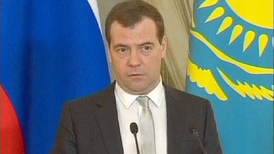 Russian PM Dmitry Medvedev says Ukraine on 'brink of civil war'