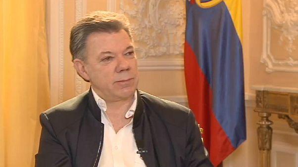 """Juan Manuel Santos: """"Espero por termo ao conflito que faz a Colômbia sangrar há 50 anos"""""""
