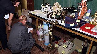 Megsemmisítik Nicolae Ceausescu használhatatlan tárgyait