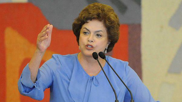Βραζιλία: Στοίχημα για τη Ρούσεφ η επανεκλογή της