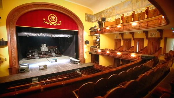 Postal dos correios: O Teatro Volkov