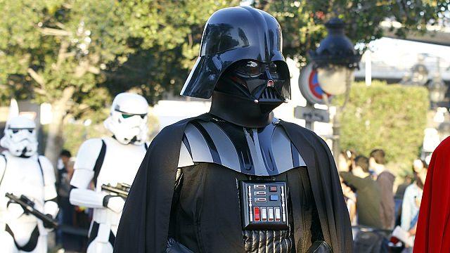 Да пребудет с тобой сила: фанаты «Звездных войн» отметили профессиональный праздник