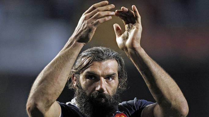 Rugby Former France forward Chabal to retire