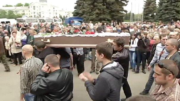 Odessa e kramatorsk i primi funerali delle vittime