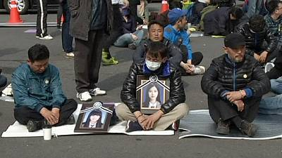 South Korea: relatives of ferry disaster victims stage sit-in