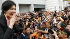 Pro and anti-government protesters assemble in Bangkok