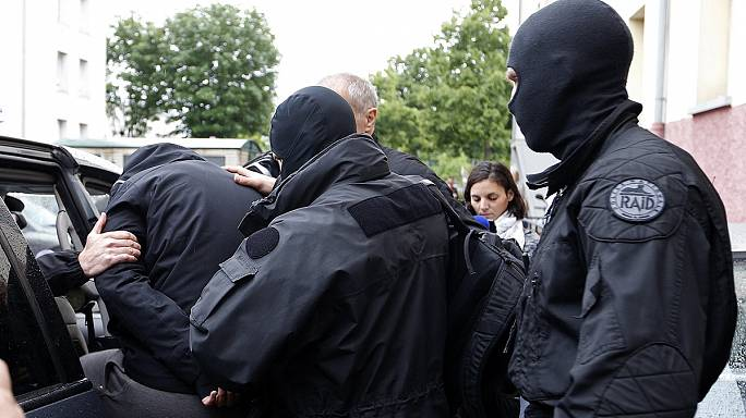 ستة اشخاص قيد الحجز الاحتياطي في فرنسا بشبهة الجهاد في سوريا