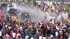 Turchia: proteste in tutto il Paese, scontri a Smirne
