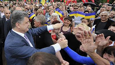 Billionaire 'Chocolate King' on course to win Ukraine presidential poll