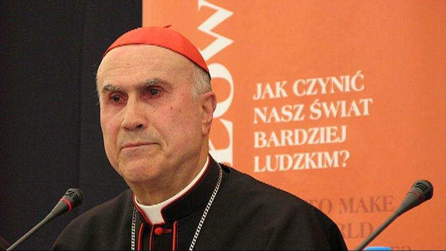 Kiakadt a pápa a vatikáni elöljáró luxuslakásán