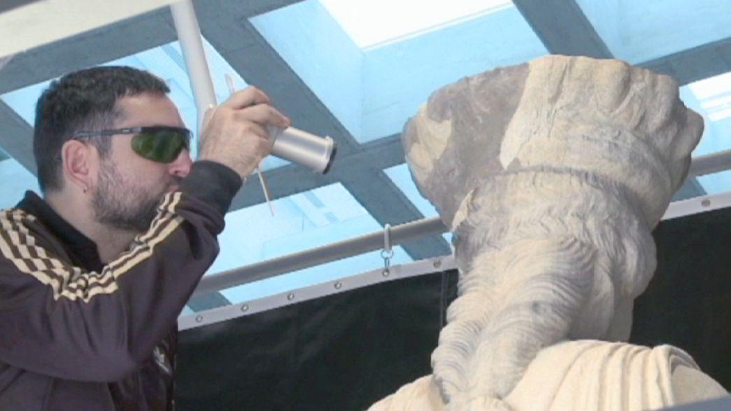 Las Cariátides recuperan su color original en el Museo de la Acrópolis de Atenas