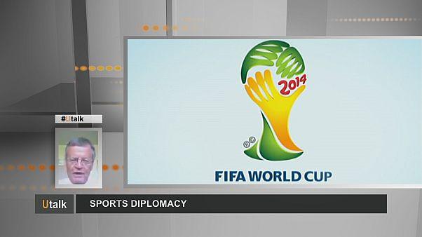 A focisták rövidnadrágos diplomaták