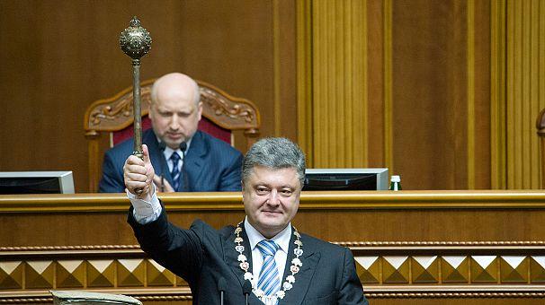 Ukraine's President Poroshenko pushes for peace at inauguration