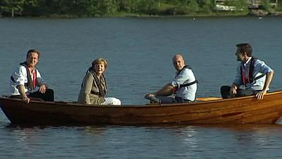Angela Merkel and three PMs go rowing in Sweden – nocomment