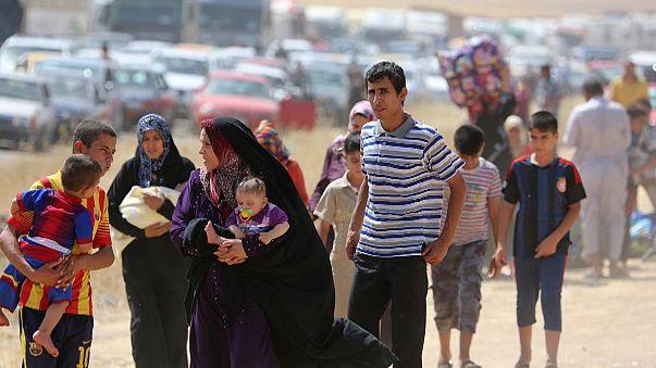 اكثر من 500 الف شخص فروا من الموصل والمسلحون يحكمون سيطرتهم عليها