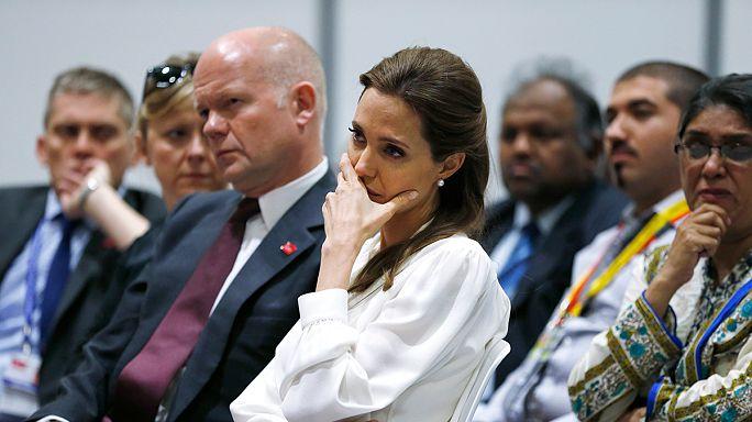 Angelina Jolie ev sahipliğinde cinsel şiddet zirvesi