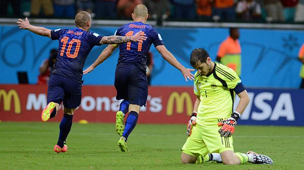 Netherlands humiliate holders Spain in Group B opener