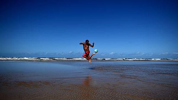 Εδώ Βραζιλία, τα ημερολόγια του euronews.gr: Μπάλα, μαγεία... Βραζιλία!