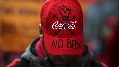 Spagna: vendite di Coca Cola dimezzate, pesa il boicottaggio contro il piano sociale