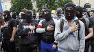 Affrontements à Kiev entre policiers et loyalistes ukrainiens