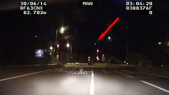 Une météorite traversant le ciel anglais filmée par des policiers