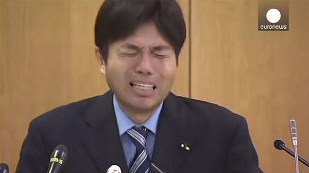 Japanischer Politiker wird mit Heulkrampf zum YouTube-Star