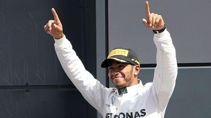 Formula–1: Hamilton győzött Silverstone-ban, Rosberg előnye már csak négy pont