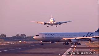 Video: Ein Beinah-Crash am Flughafen Barcelona?