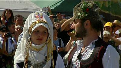 Hundreds recreate 17th century Bulgarian wedding – nocomment