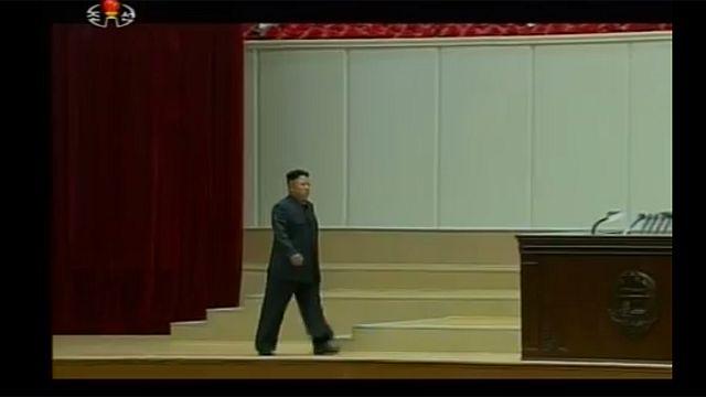 Corée du Nord : rares images de Kim Jon-un boitant à la télévision d'Etat