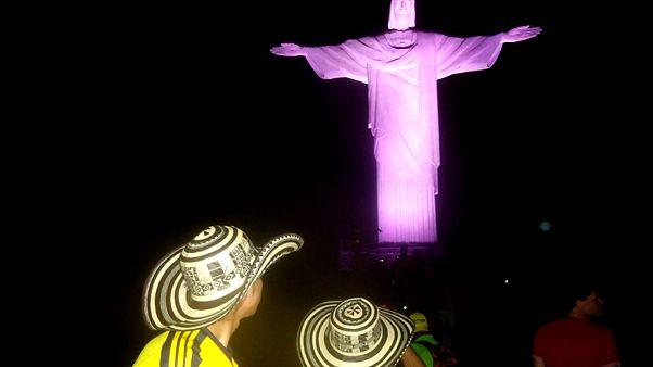 Εδώ Βραζιλία: Όταν οι φίλαθλοι κατακλύζουν τα τουριστικά αξιοθέατα του Ρίο