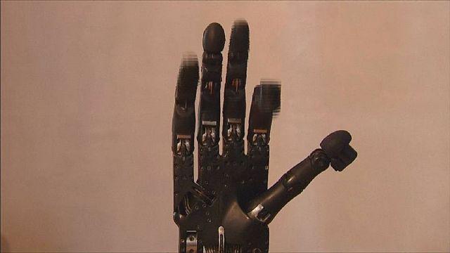 Mindent tud az ügyes robotkéz