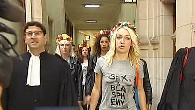 Paris prosecutors seek fines against Femen over Notre Dame protest