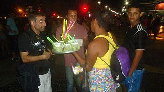 Εδώ Βραζιλία: Η νυχτερινή... τσάρκα στην Κοπακαμπάνα