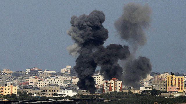 Így néz ki, amikor a tetőn át érkezik a rakéta egy gázai házba