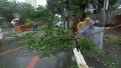 Typhoon Rammasun sweeps the Philippine capital of Manila – nocomment