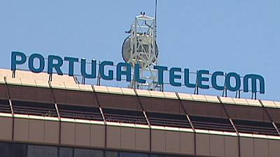 Portugal Telecom merger with Oi takes a hit from Espirito Santo family's troubles
