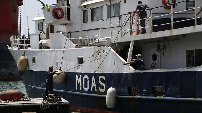 Un couple de philanthropes fonde une ONG pour sauver les migrants en Méditerranée